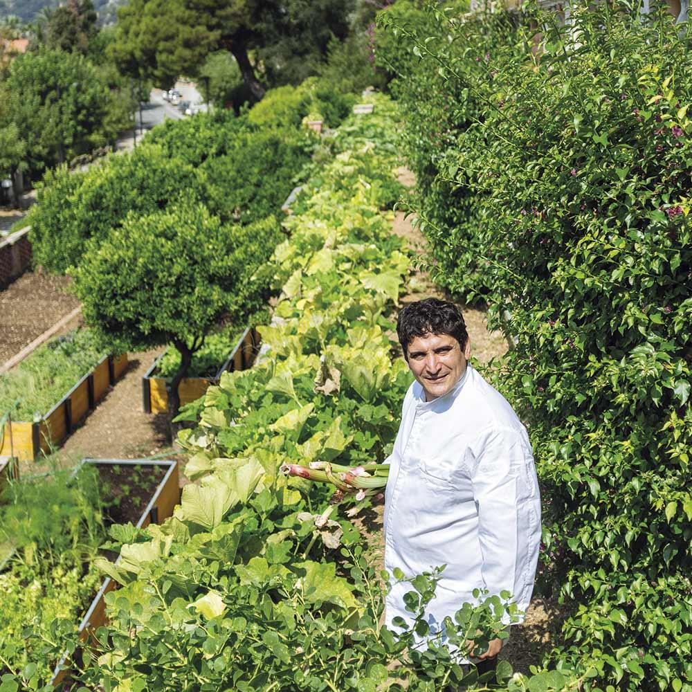 À Menton, à deux pas de la frontière italienne, Mauro Colagreco a trouvé son lieu de création.