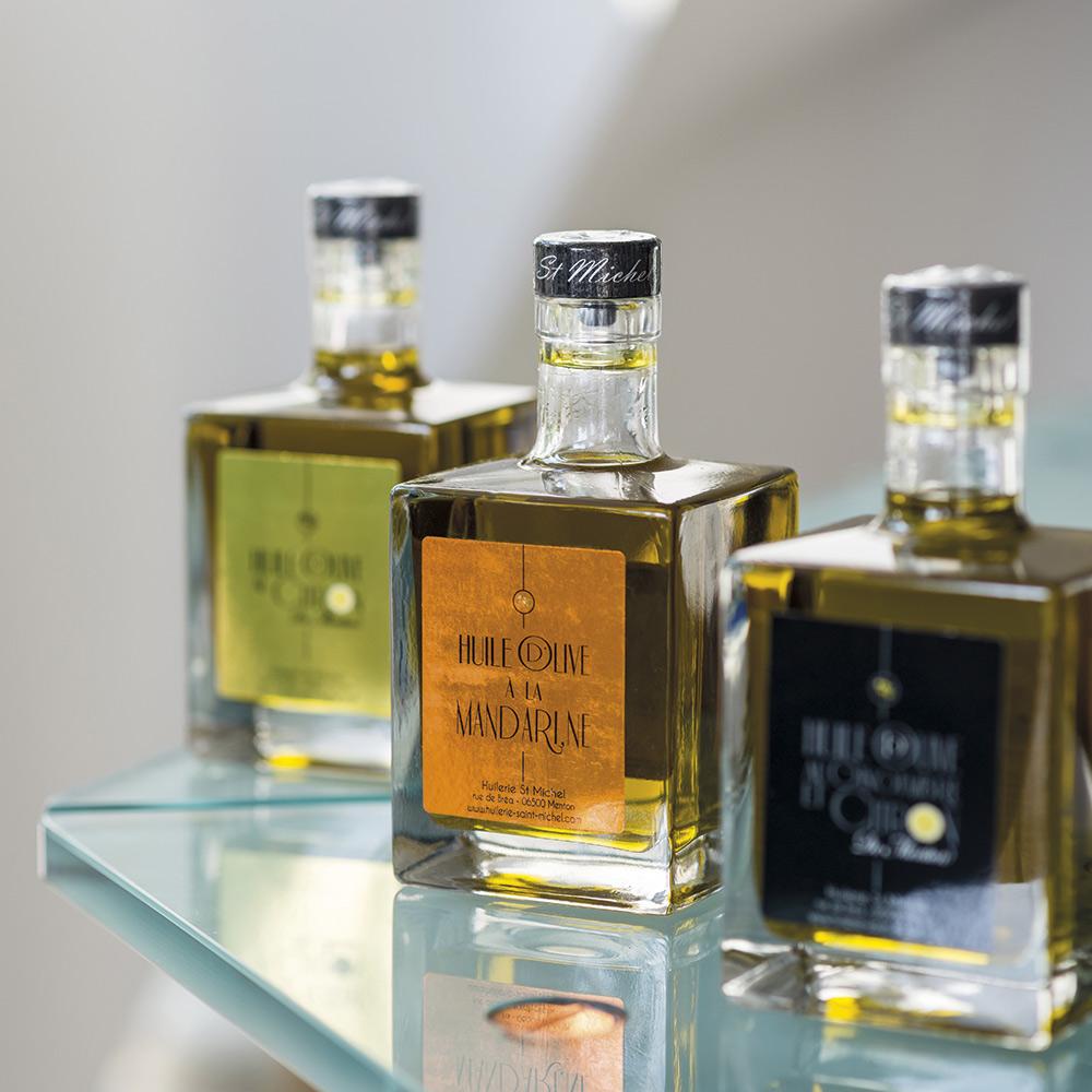 La délicieuse collection d'huiles parfumées aux arômes d'agrumes réalisée avec Karim Djekhar de l'Huilerie Saint-Michel de Menton.