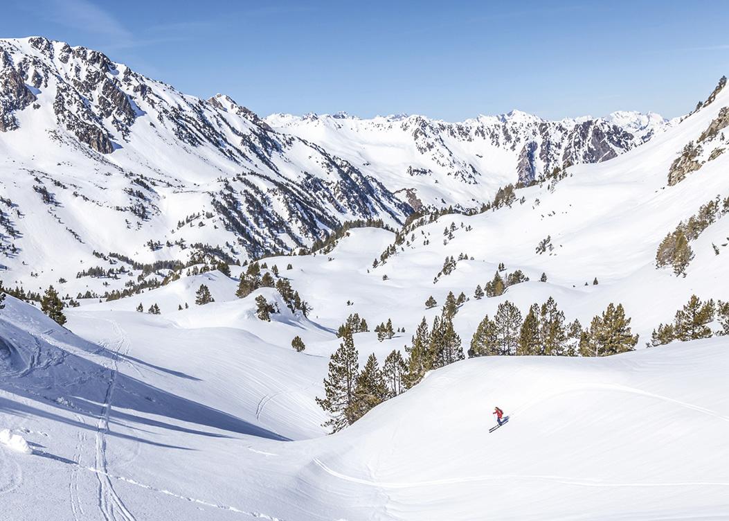 destination-occitanie-sud-de-france-Ski-de-rando_Reserve-du-neouvielle©HPTE_François-Laurens