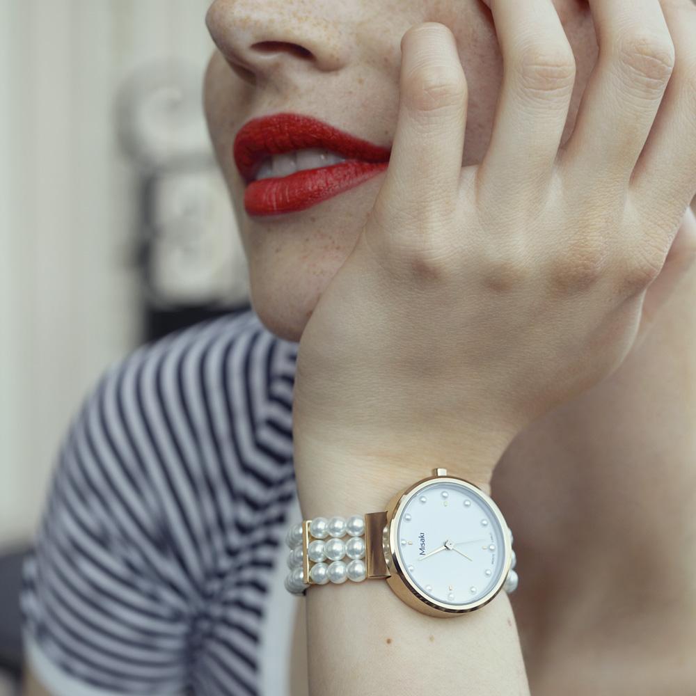 shopping-fete-des-meres-MISAKI_Modele-SWAY-montre-Nina