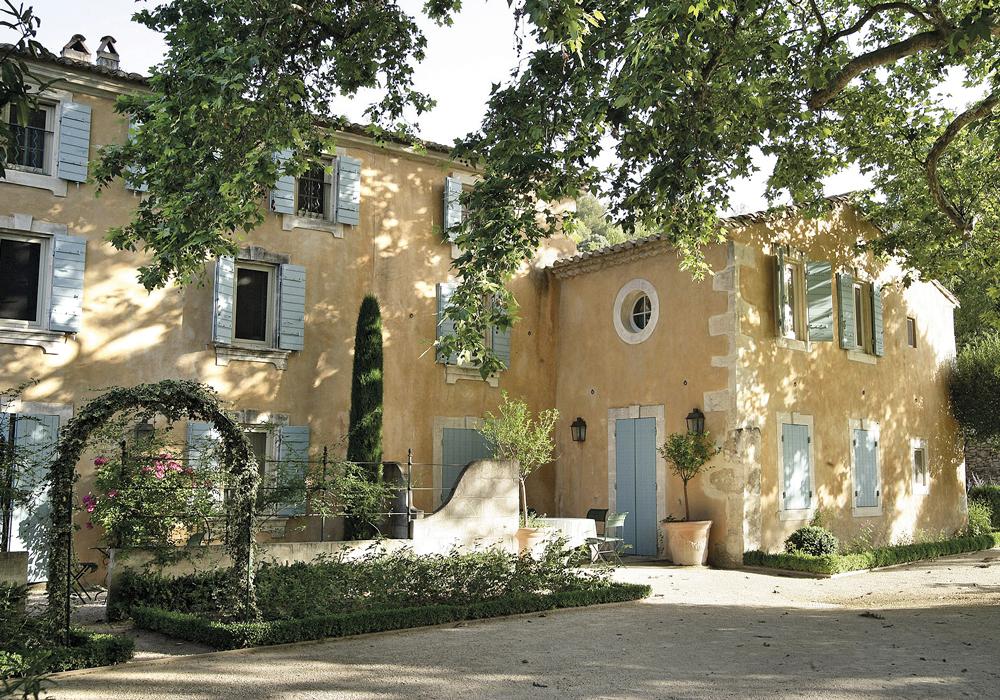 Alpilles-Baumaniere-baux-de-provence@-L.-Parrault