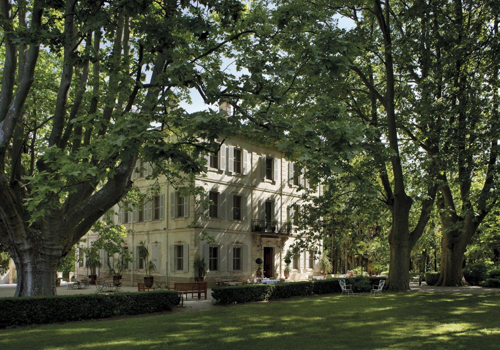 alpilles-chateau-des-alpilles-saint-remy-de-provence