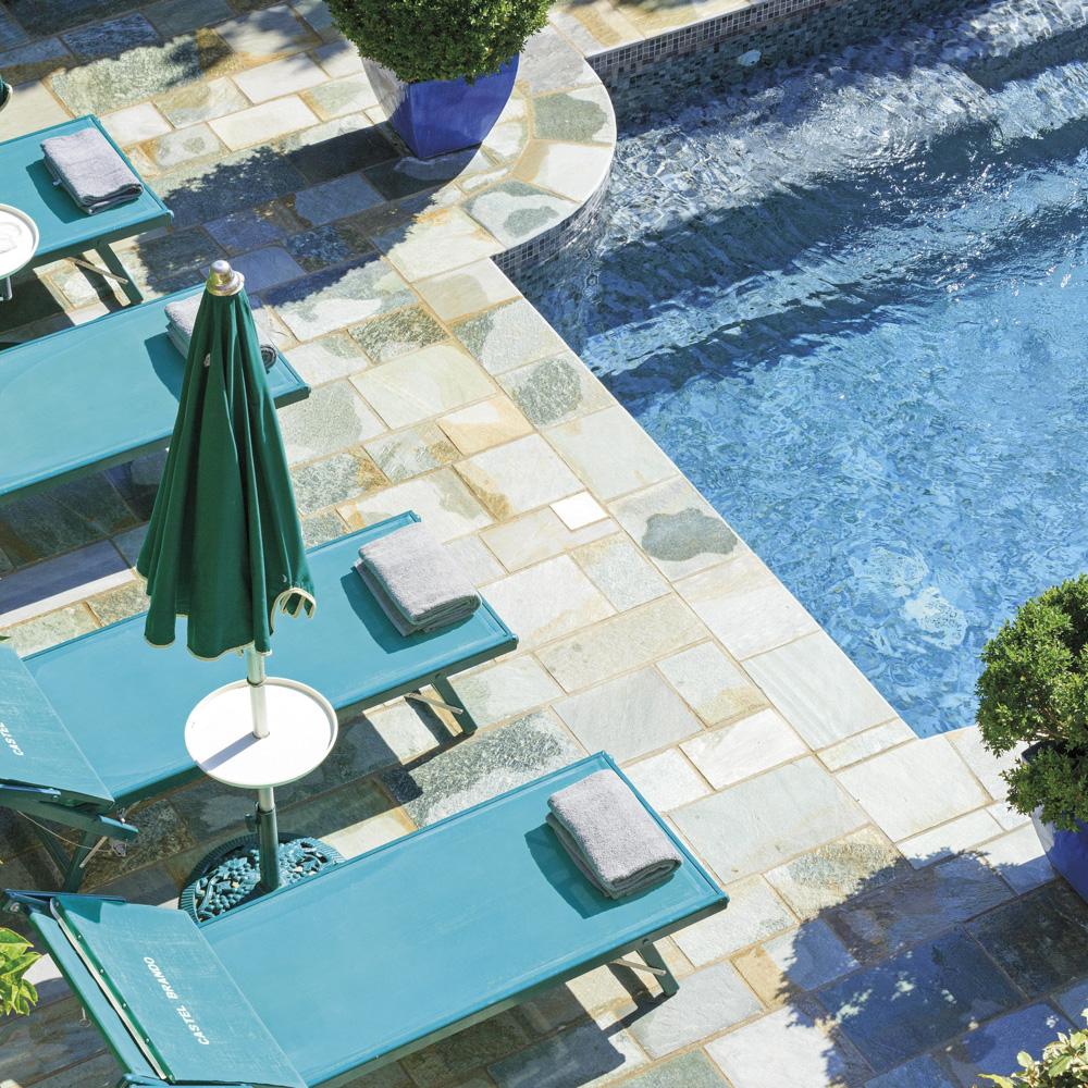 corse-hotel-castel-brando-piscine