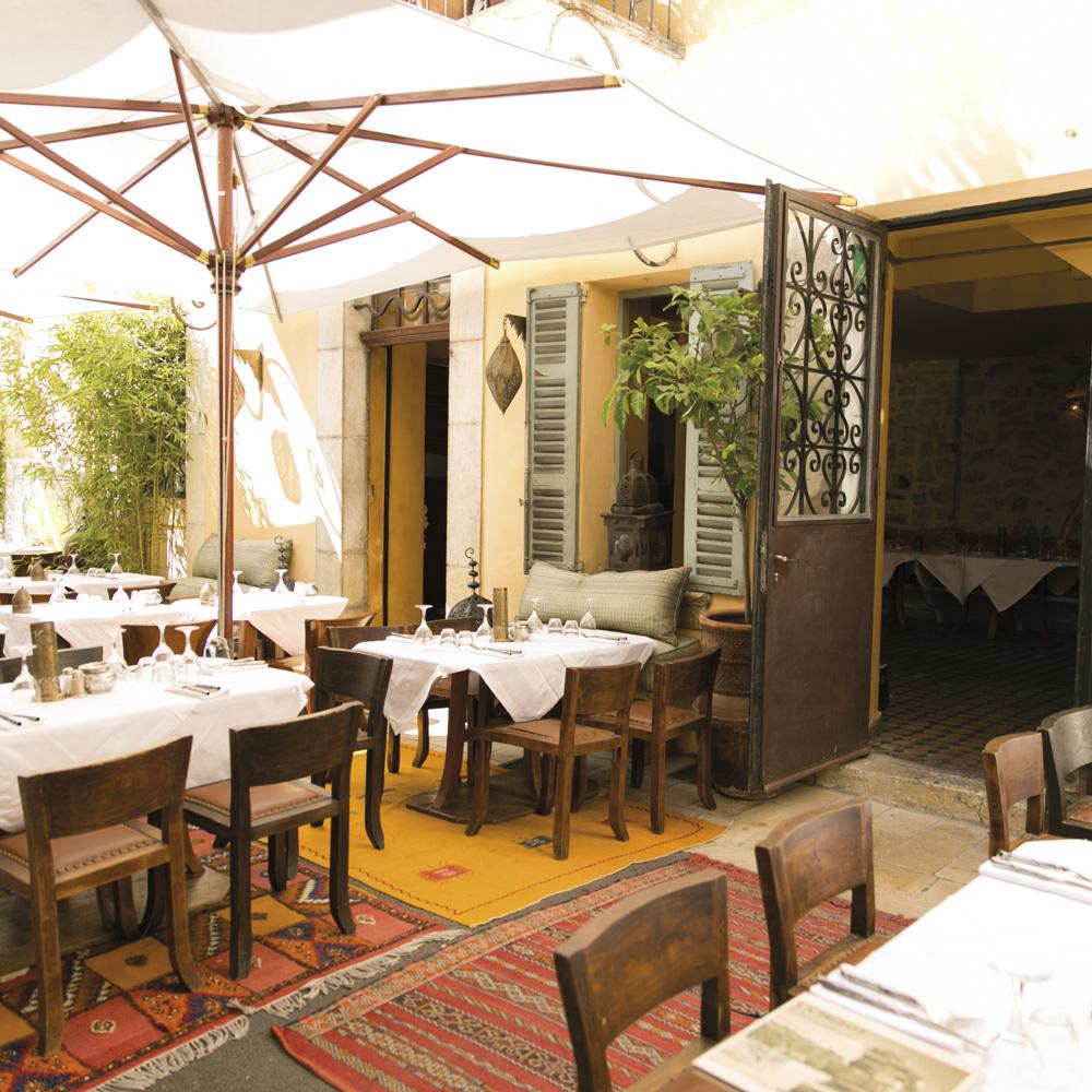 valbonne-restaurant-la-pigeot-terrasse