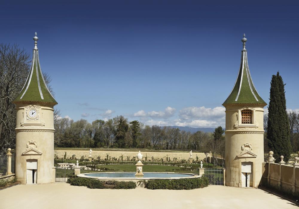 vins-bio-luberon-chateau-Fonscolombe-2-tours-©-Michel-Trehet