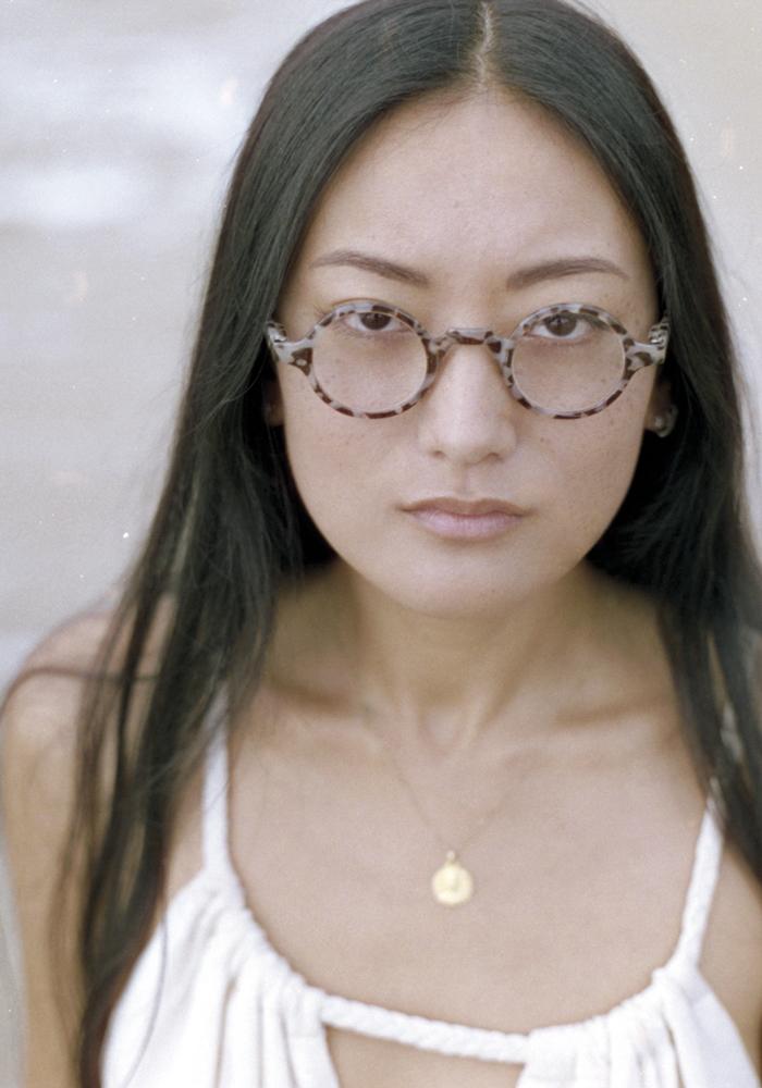 vitrine-souvenirs-du-sud-K-EYES-Tenny-porte-modele-lunettes-loupes-K21HD2475-1