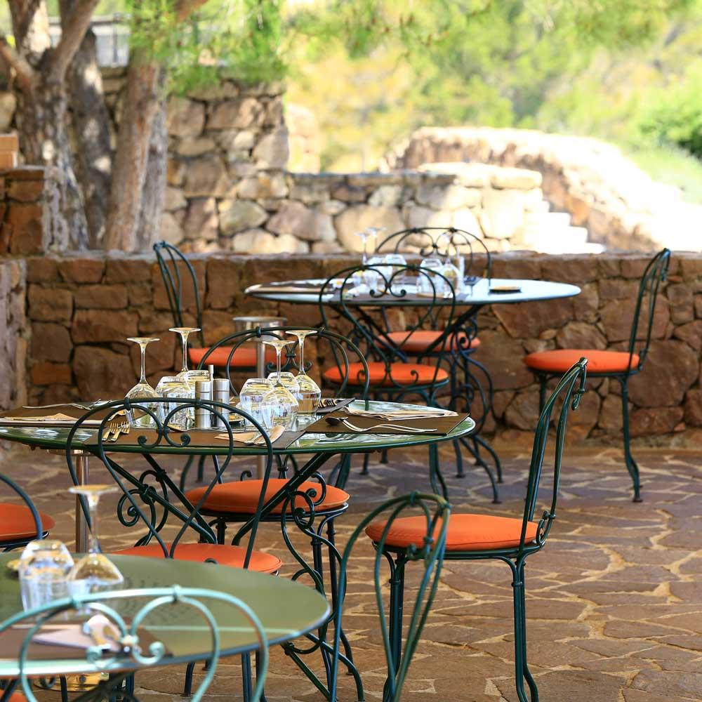 domaines-de-saint-endreol-pays-fayence-terrasse-restaurant