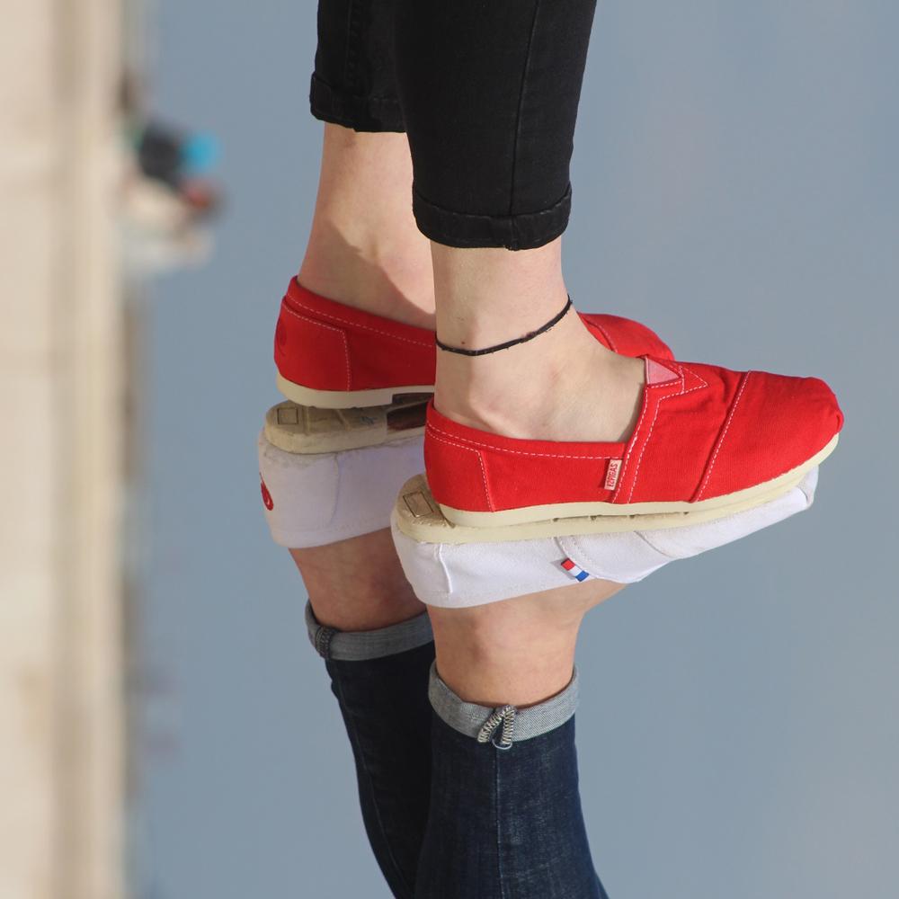 mode-accessoires-marcher-droit-Espigas-France-blanc-rouge