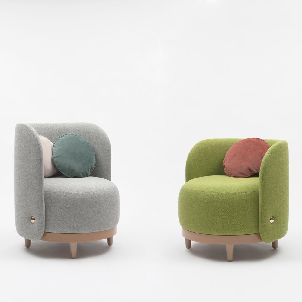 margaux-keller-fauteuil-orrechino-soca