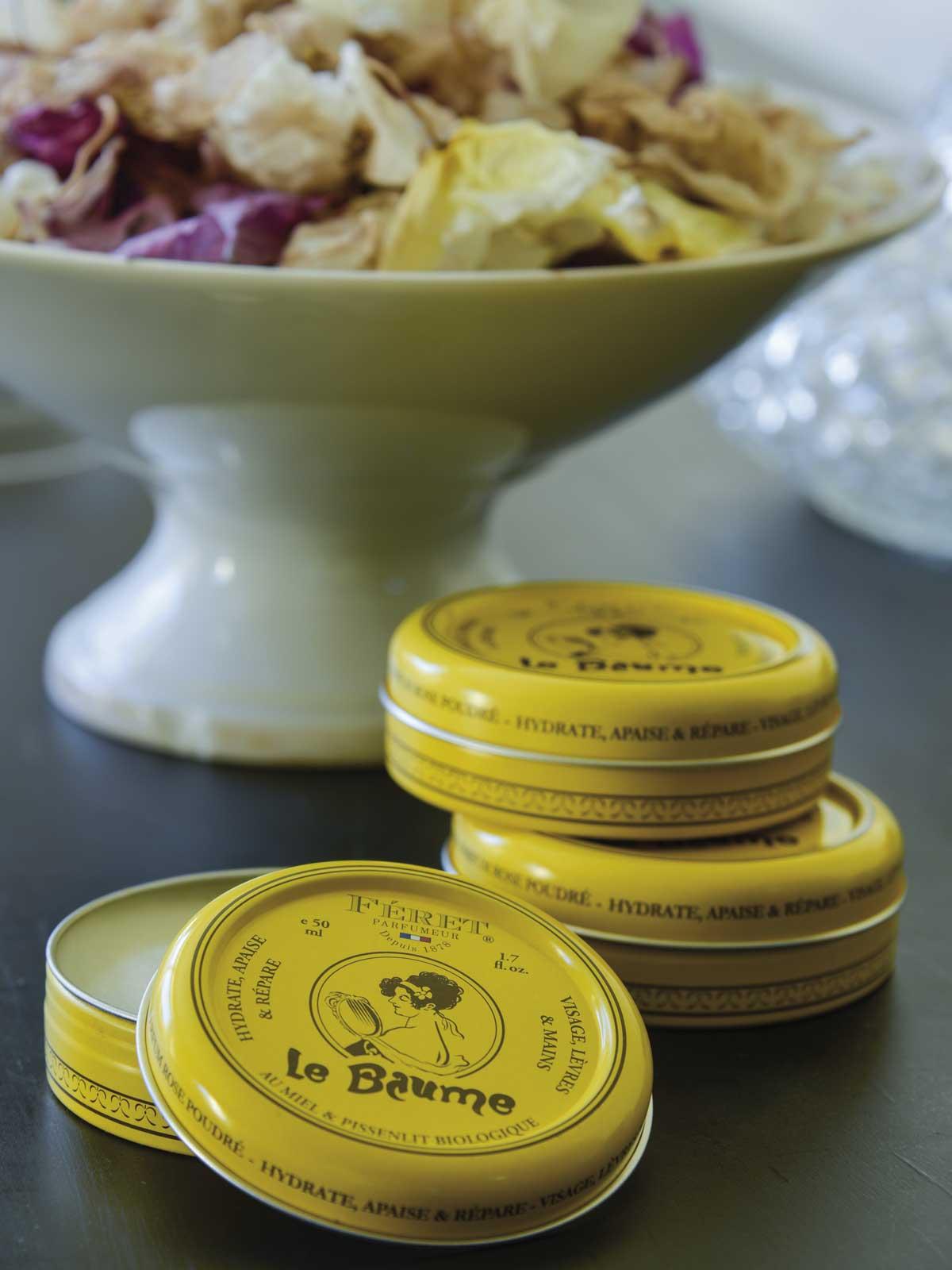 vitrine-fetes-feret-parfumeur-Le-Baume