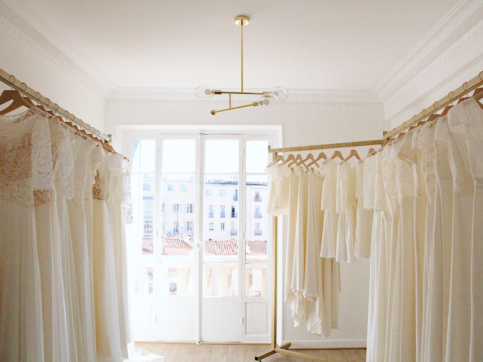 neuf-cote-d'azur-olympe-mariage-showroom-nice-robes-de-mariee