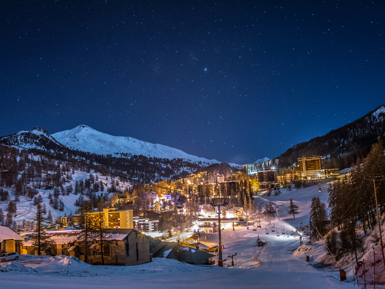 sur-les-pistes-de-ski-vars-de-nuit-remi-morel