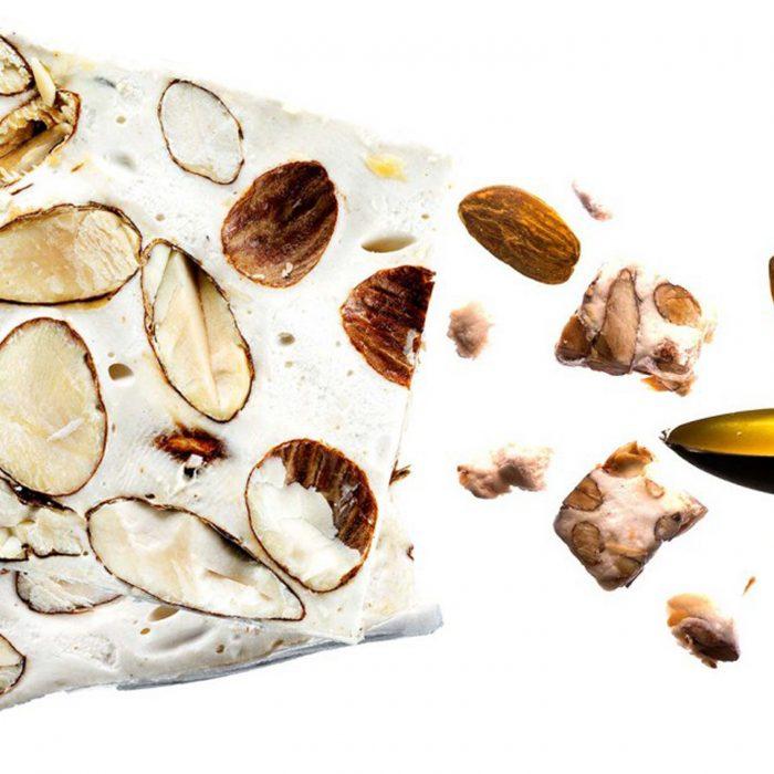 vitrine-artisans-gourmands-maison-andre-boyer-nougat-blanc