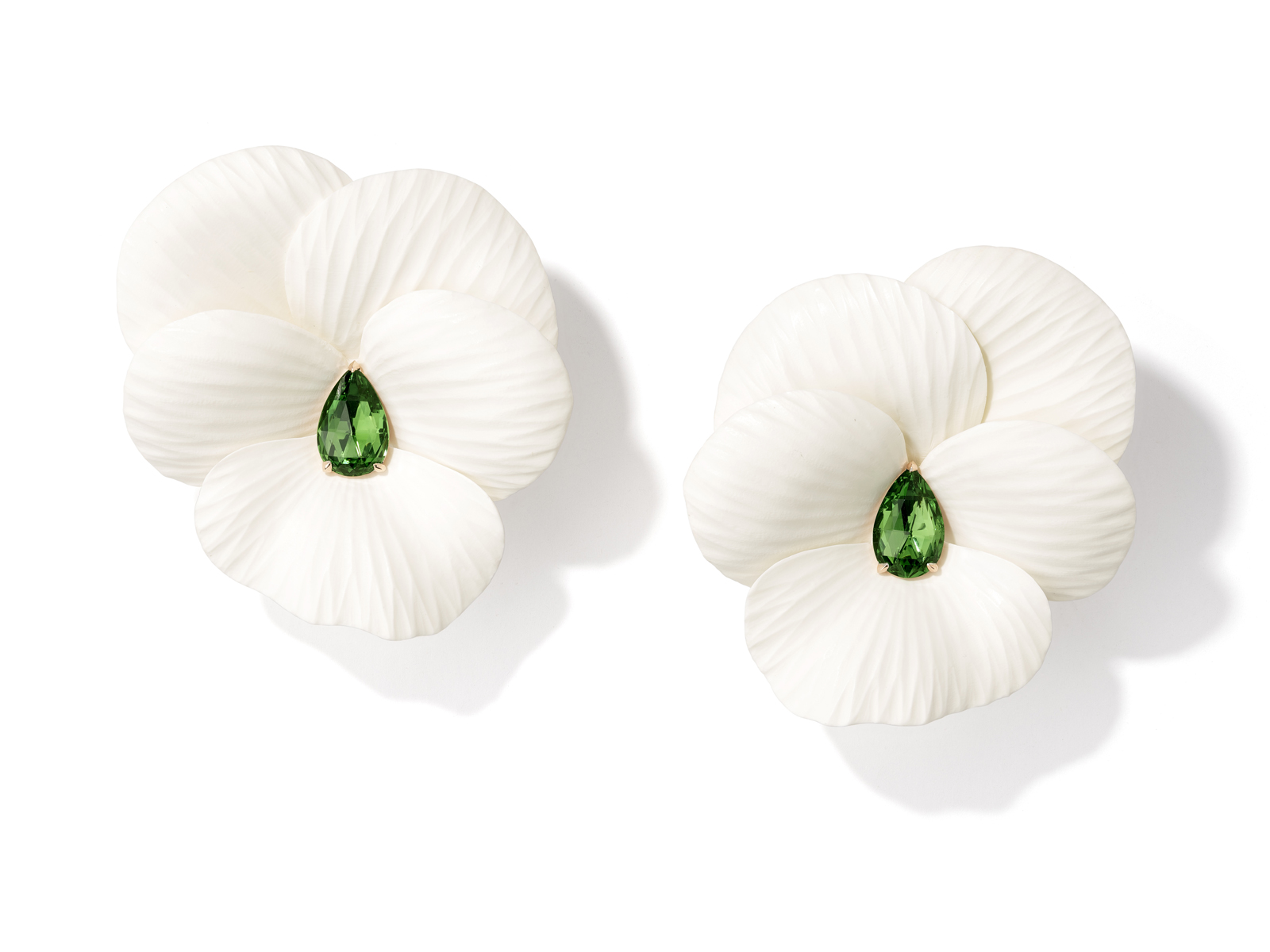 monaco-salons-art-pad-monaco-Hyceram-Tsavorite-Flower-Earrings-copy