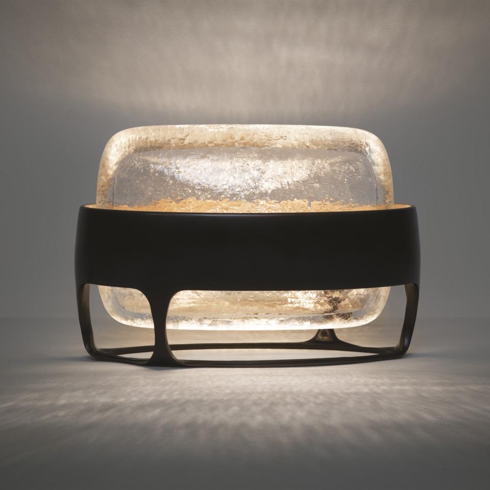 culture-agenda-mai-chateau-la-coste-IRIS-TABLE-LAMP-1200x960