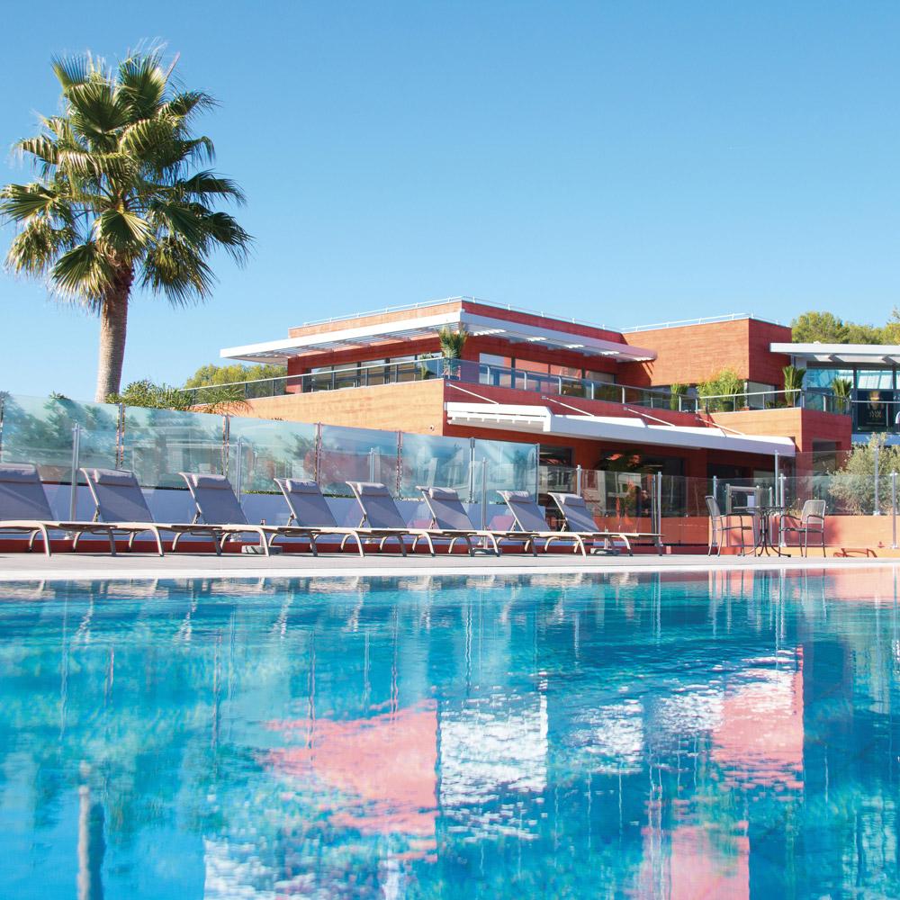 mouratoglou-Resort-biot-piscine