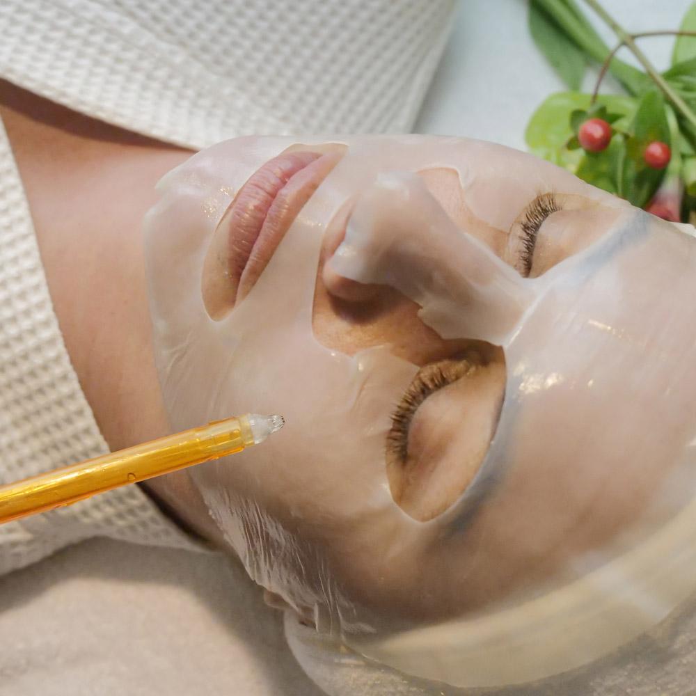 L.RAPHAEL-Beauty-Spa-Martinez-Cannes-Diamond-Powder-Mask-with-Oxygen-@Maxime-Sauvant