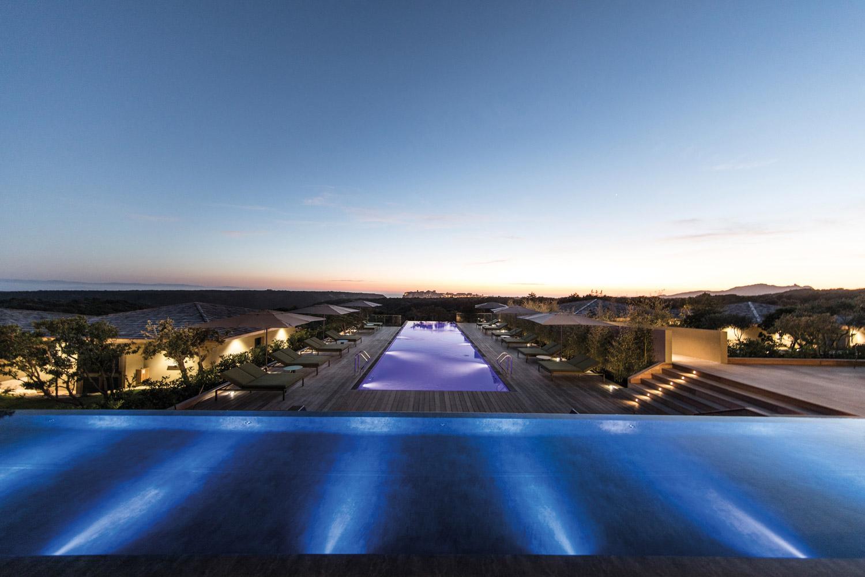 vacances-corse-hotels-version-maquis-piscine