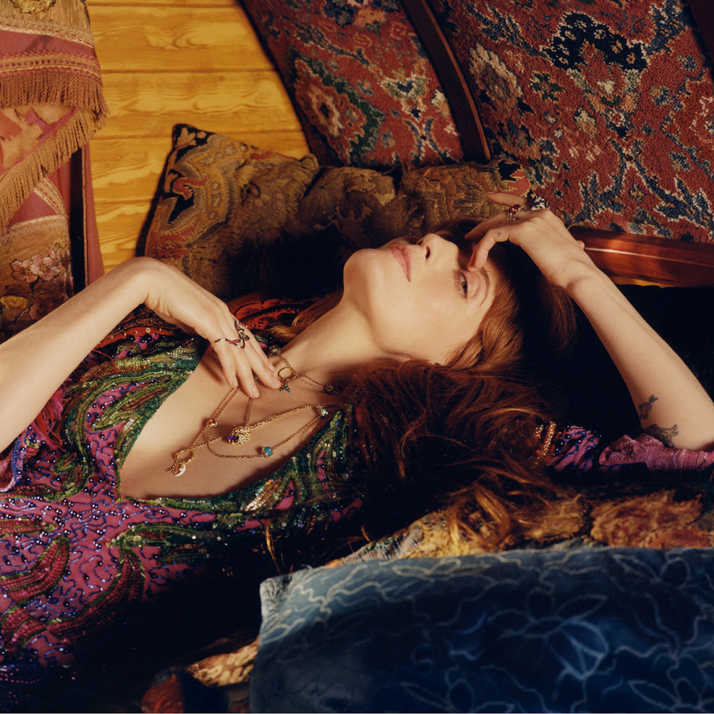 vitrine-accessoires-ete-gucci-frojo_FLORENCE-WELCH-19