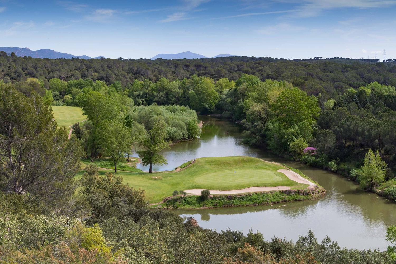Golfs-Domaines-Saint-Endreol-trou-treize