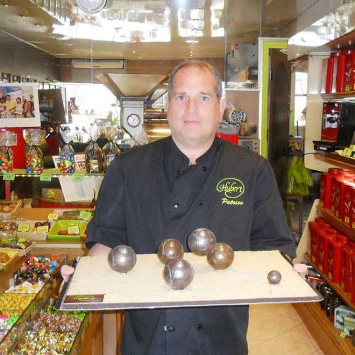 maison-hubert-patrice-acourt-boucle-petanque-chocolat