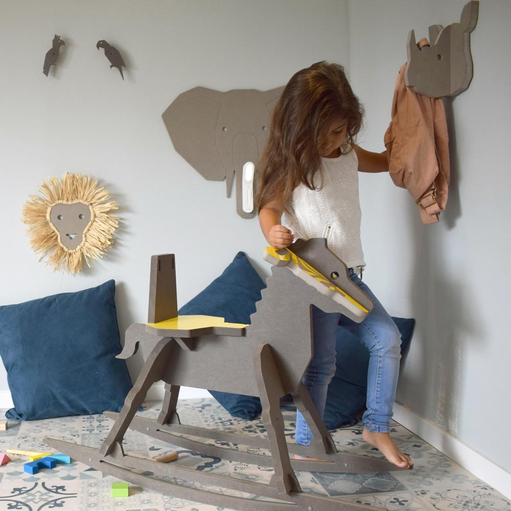 vitrine-deco-sud-studio-ruthy-design-mobilier-enfants