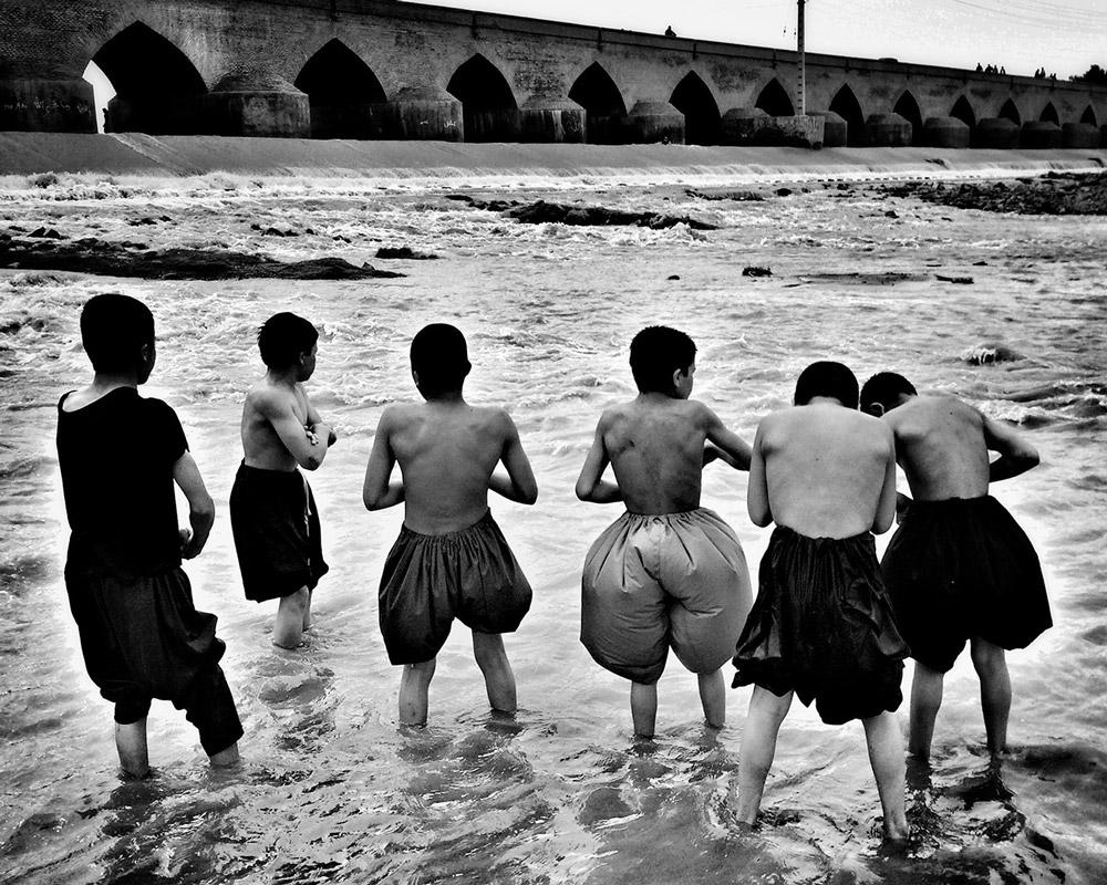 Culture-Provence-Mucem-Marseille-art-afghan-Morteza-Herati-Les-garcons-du-fleuve-Serie-I-2016©Morteza_Herati