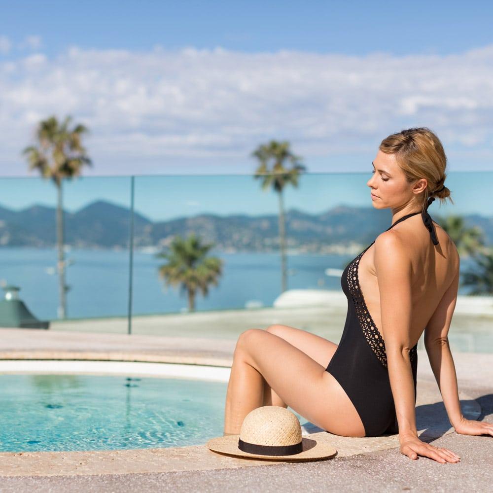 Destination-bien-etre-fetes-RADISSON-Blu-Cannes-jacuzzi-exterieur
