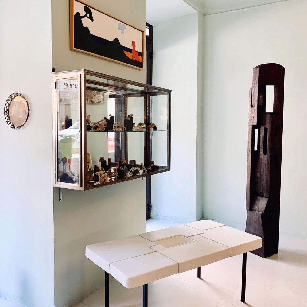 Galerie-Melissa-Paul-table-puzzle-totem-bertrand-creach