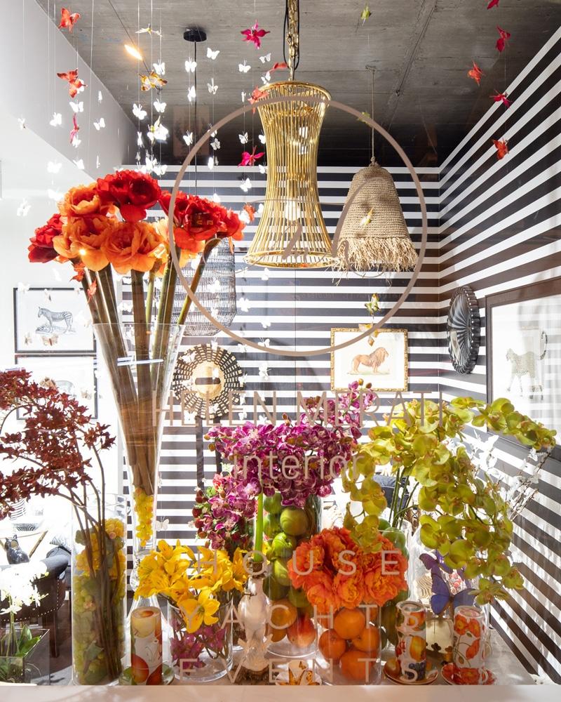 La-Ligurie-Helen-Merati-Interior-vitrine-fleurs