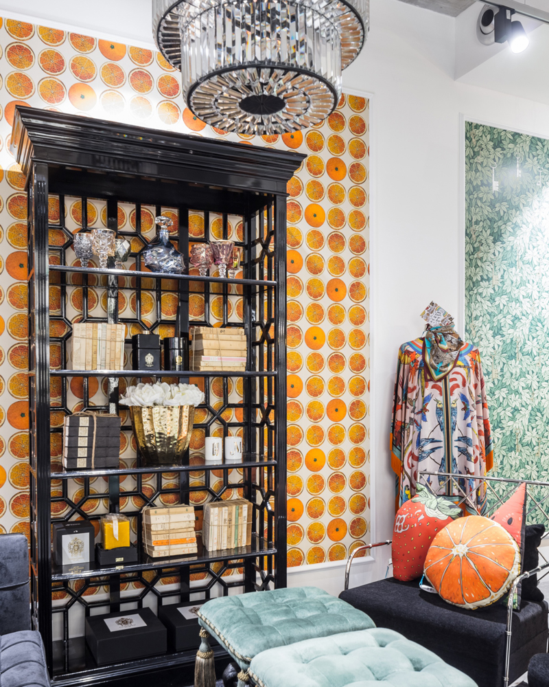 La-Ligurie-Helen-Merati-Interior_interieur-boutique-papier-peint-oranges