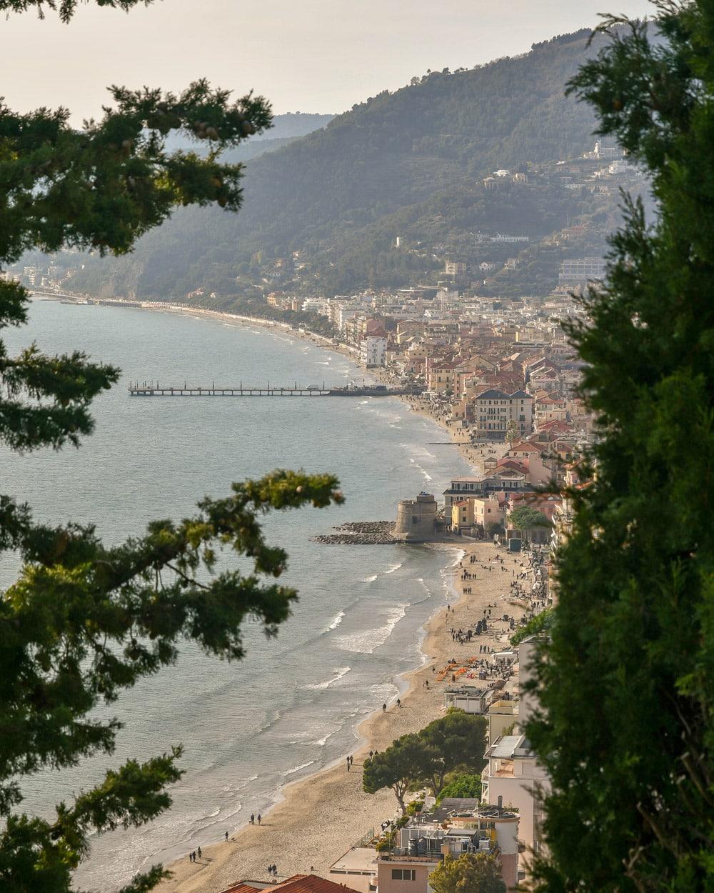 La-Ligurie-plages-sable-italiennes