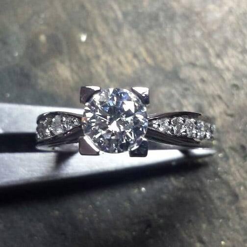 BC-GEM-bague-solitaire-diamant