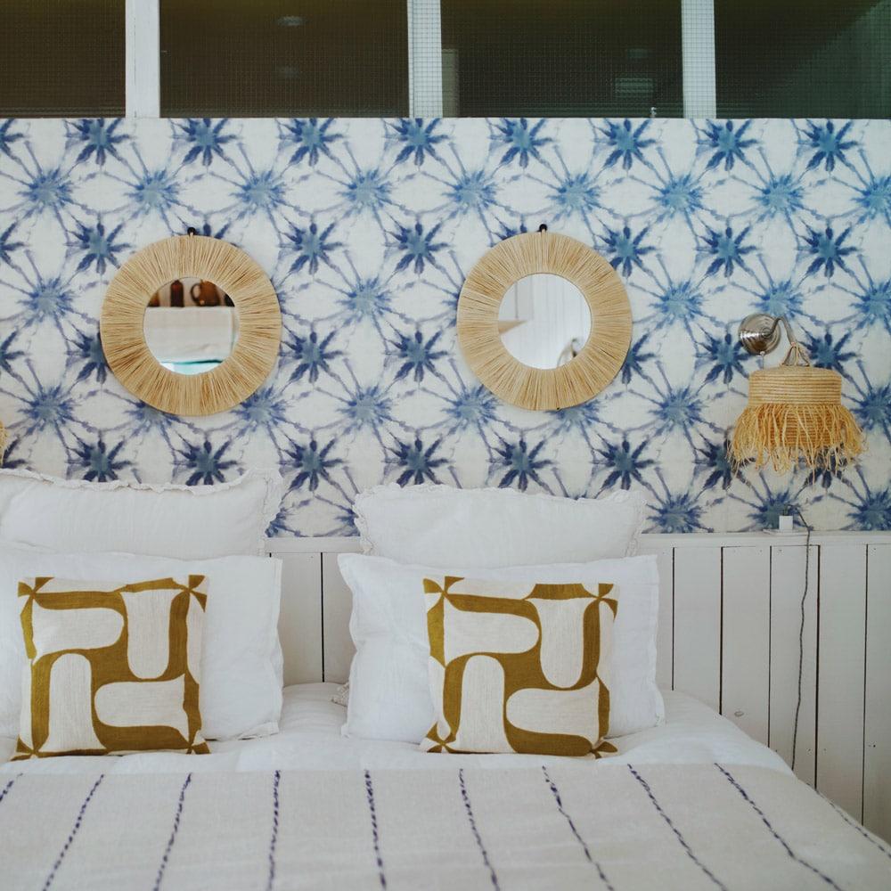 Chambre-Hotes-marseille-LA-PINEDE-©-LEA-DOMINGUEZ-chambre-linge-lit