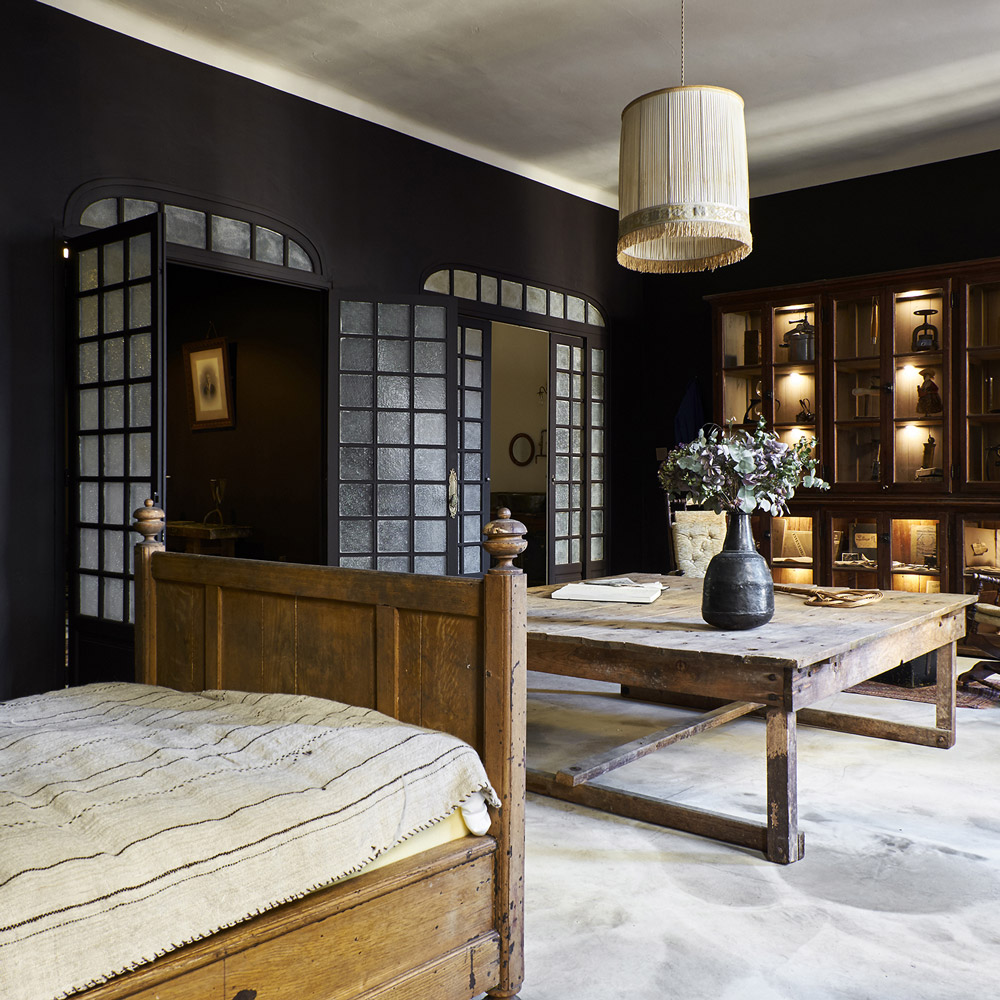 Chambre-d'hotes-marseille-Une-Nuit-par-Maison-Empereur-Salon
