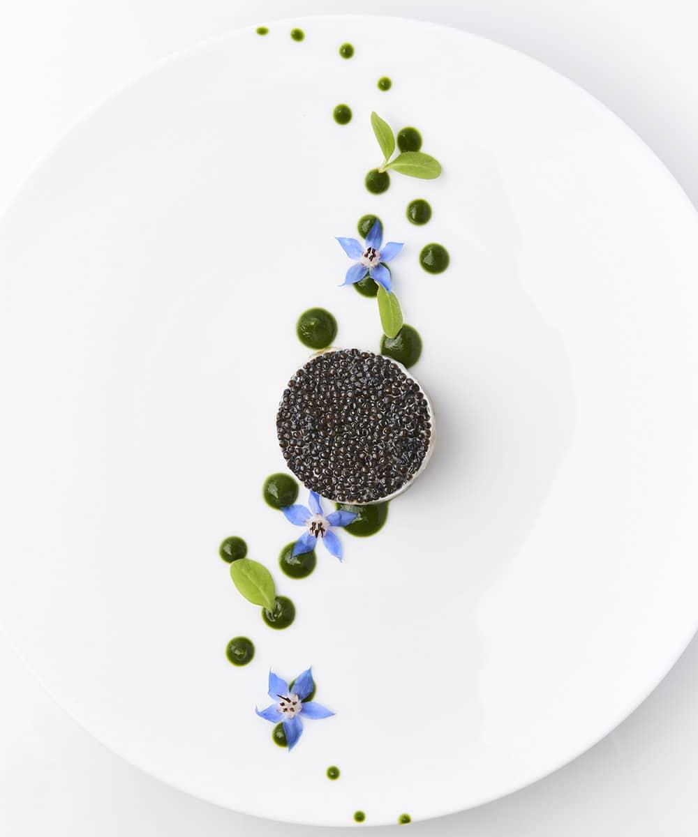 Le-Negresco-Bar-Huitre-en-tartare-caviar-de-Sologne