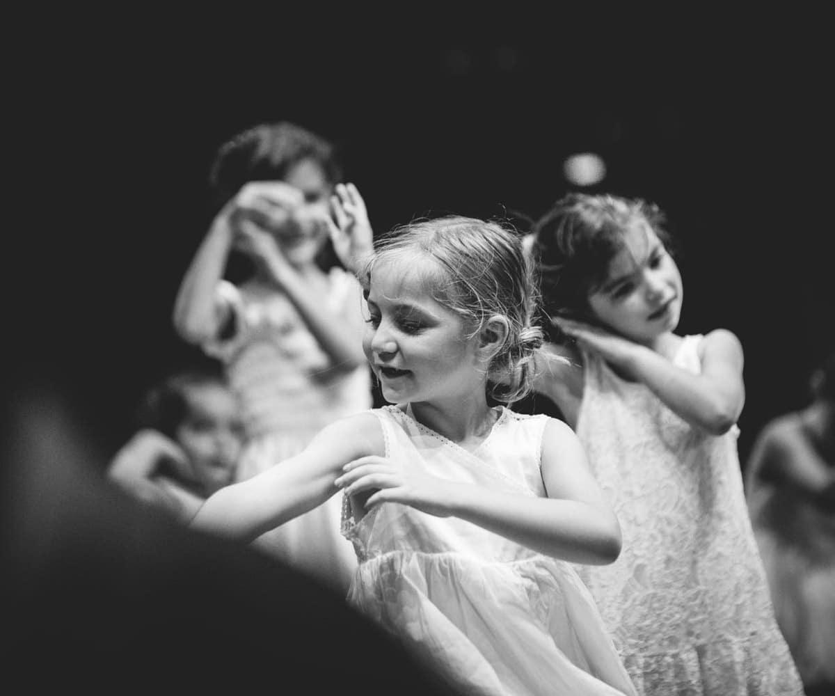 Orchestra-Pro_enfants-danse-B&W