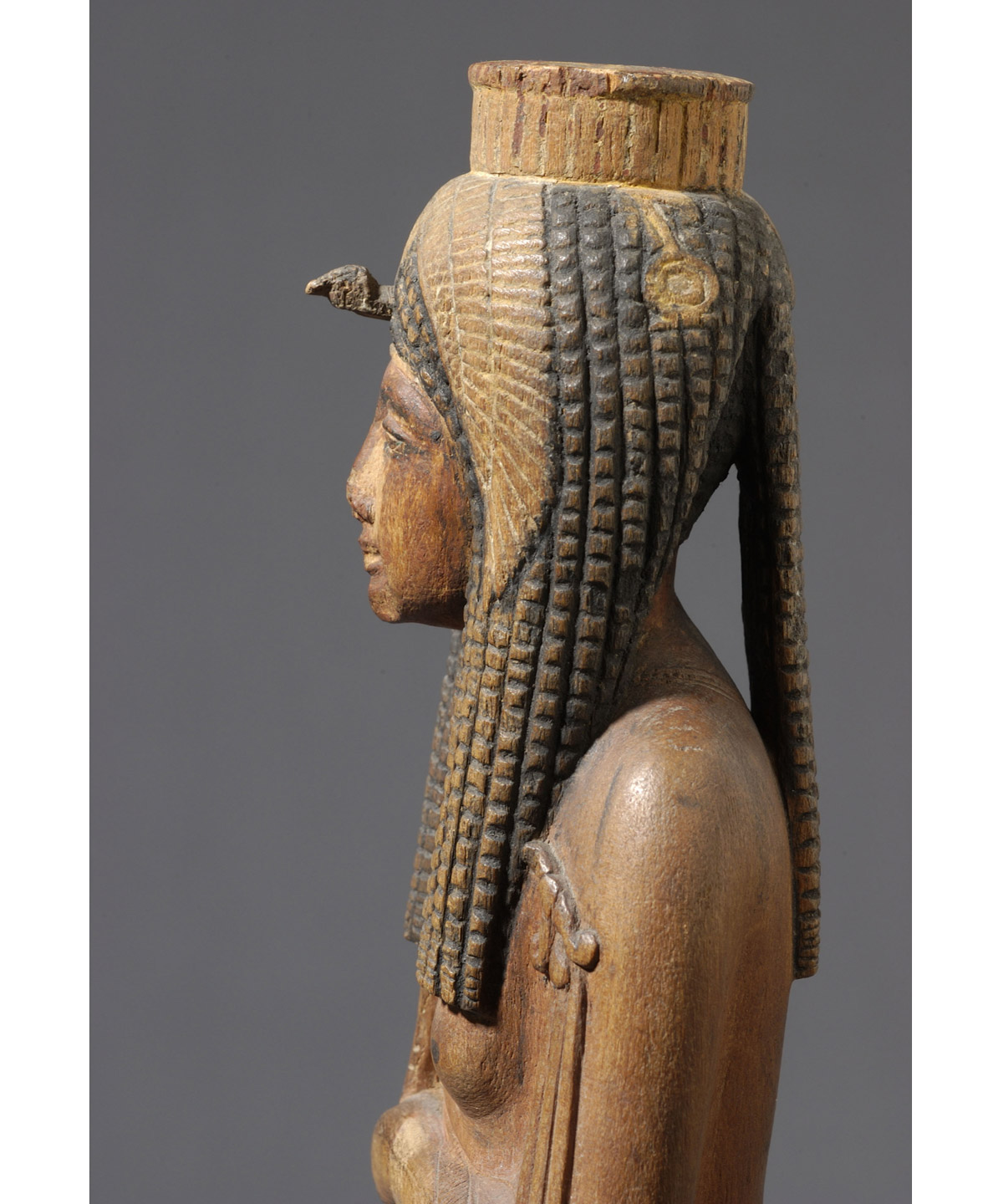 culture-mars-MUCEM_Pharaons-Superstars-Statuette-devotion-Ahmes-Nefertari-detail-Musee-du-Louvre-Dist-RMN-Grand-Palais-C-Decamps