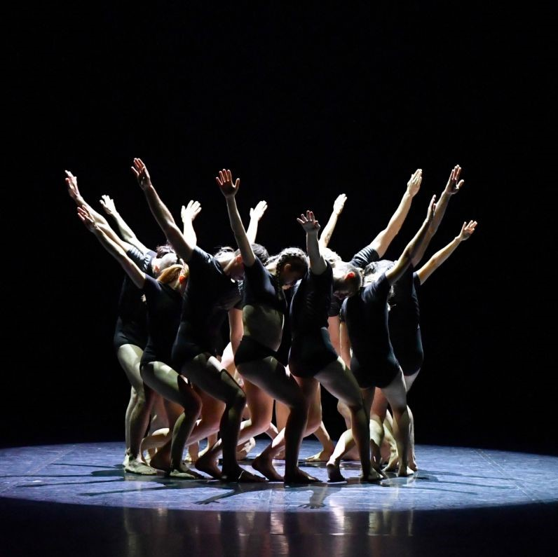 ballet-prejocaj-gravite-jean-claude-carbonne