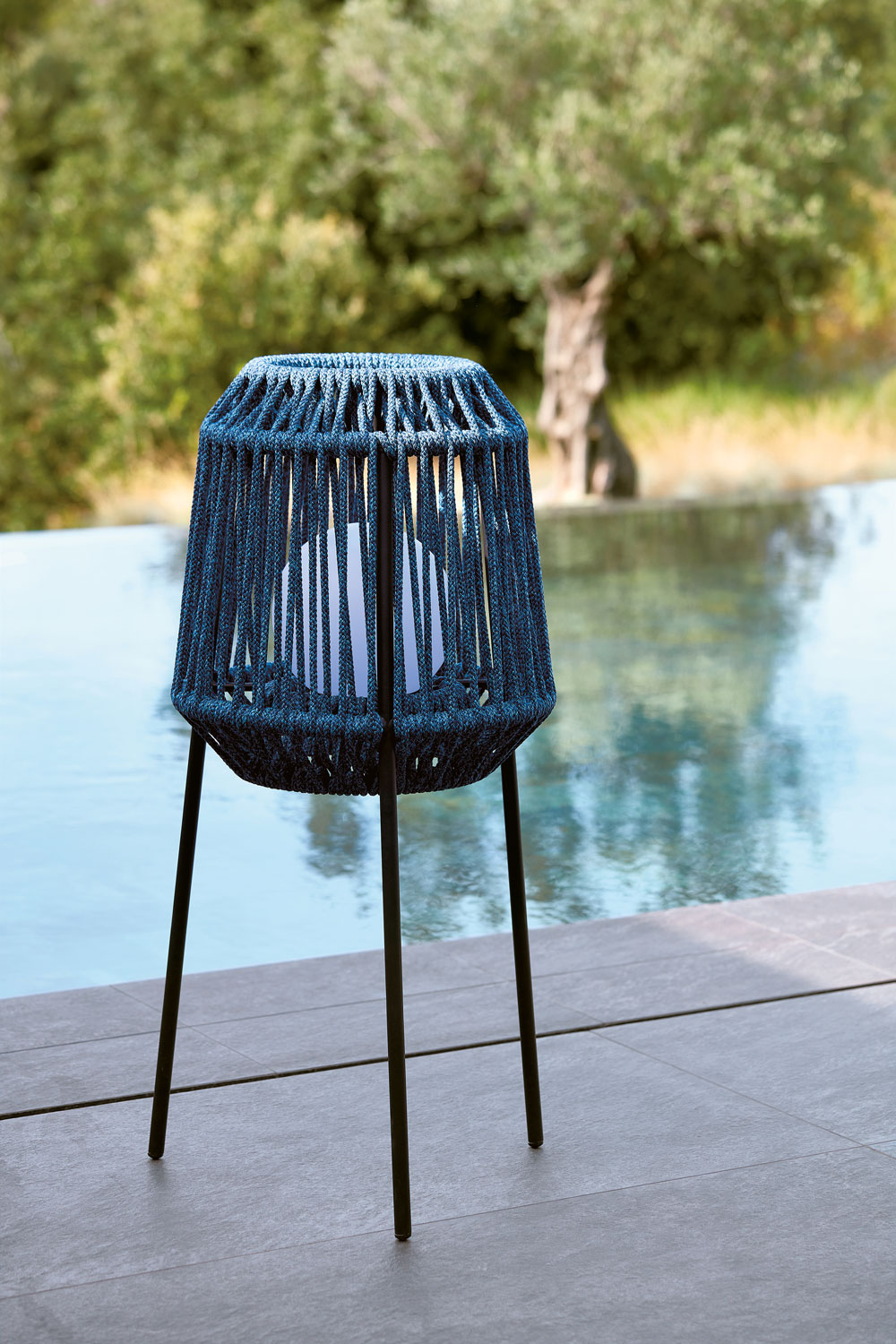 mcm-dehors-toutes-sifas-lighting-lampadaire-eric-carrere