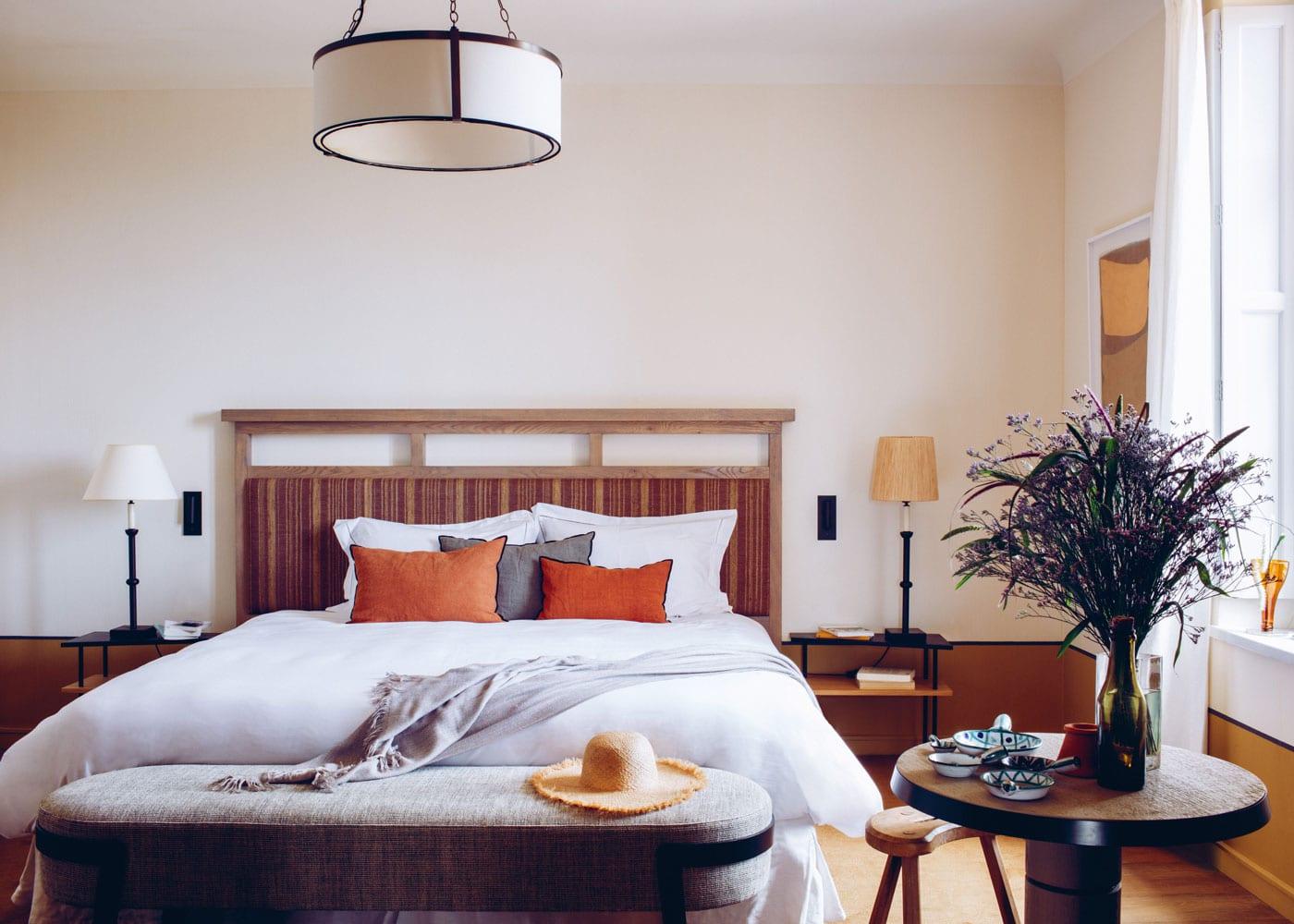 Confinez-moi-ici-Hotel-Crillon-Le-Brave-®Matthieu-Salvaing