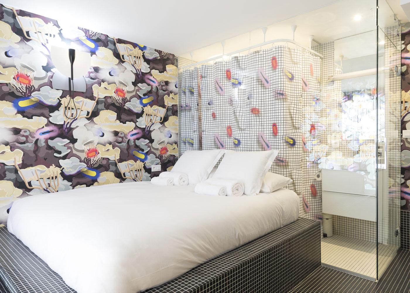 Confinez-moi-ici-Hotel-La-Reine-Jane-Hyeres-Chambre-3-Laureline-Galliot-et-Mathieu-Peyroulet