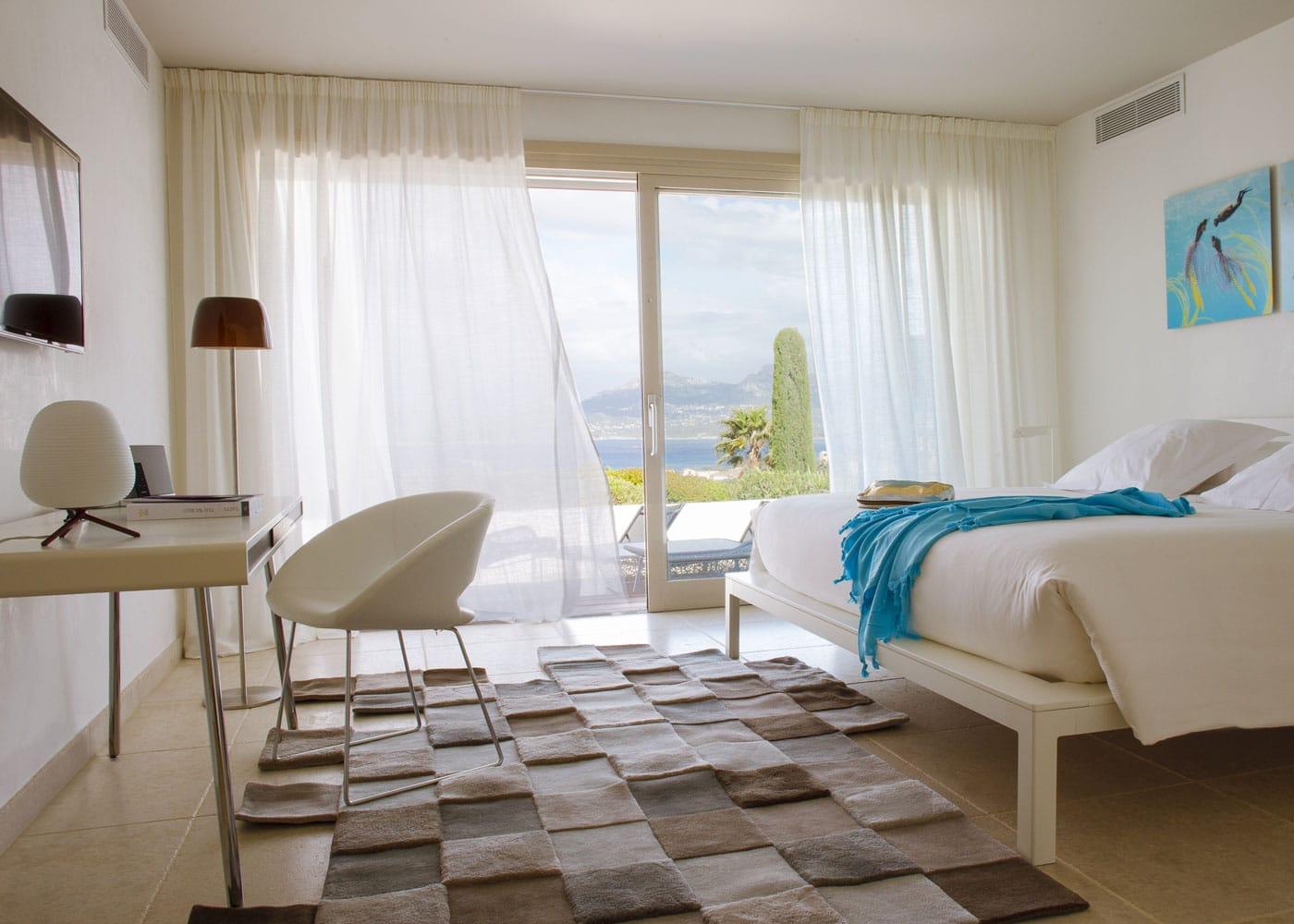 Confinez-moi-ici-Hotel-La-Villa-Calvi-Relais-Chateaux