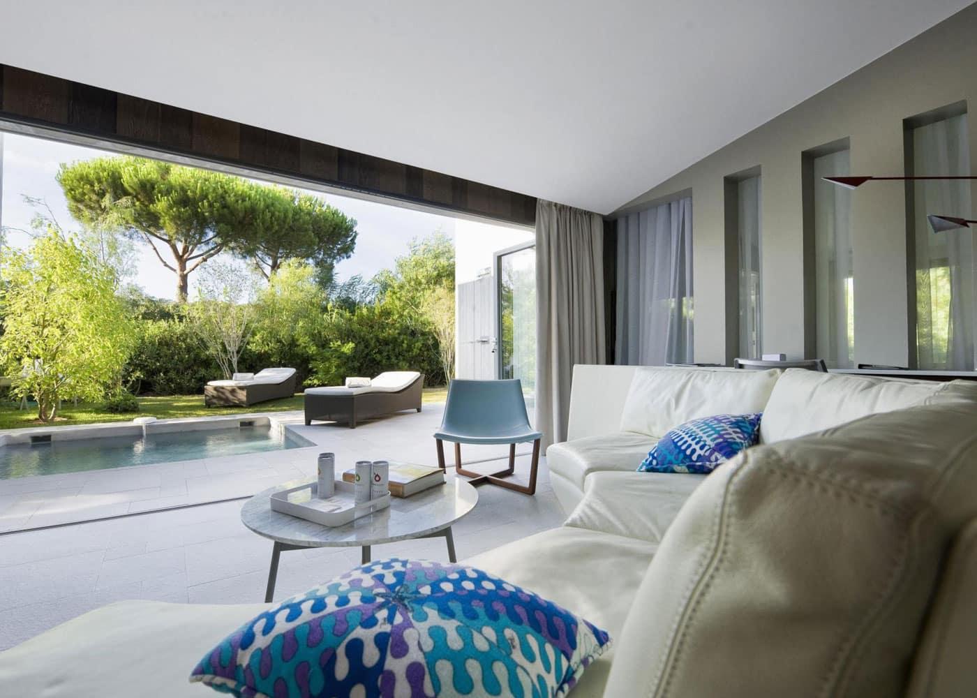 Confinez-moi-ici-Hotel-Sezz-Saint-Tropez-Suite-facon-Villa