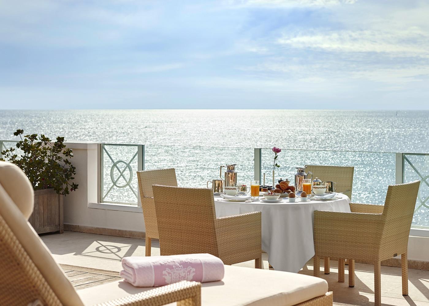 Deconfinez-moi-ici-#5-Hotel-Du-Cap-Eden-Roc-Suite-Eden-Roc-Terrace-JMS
