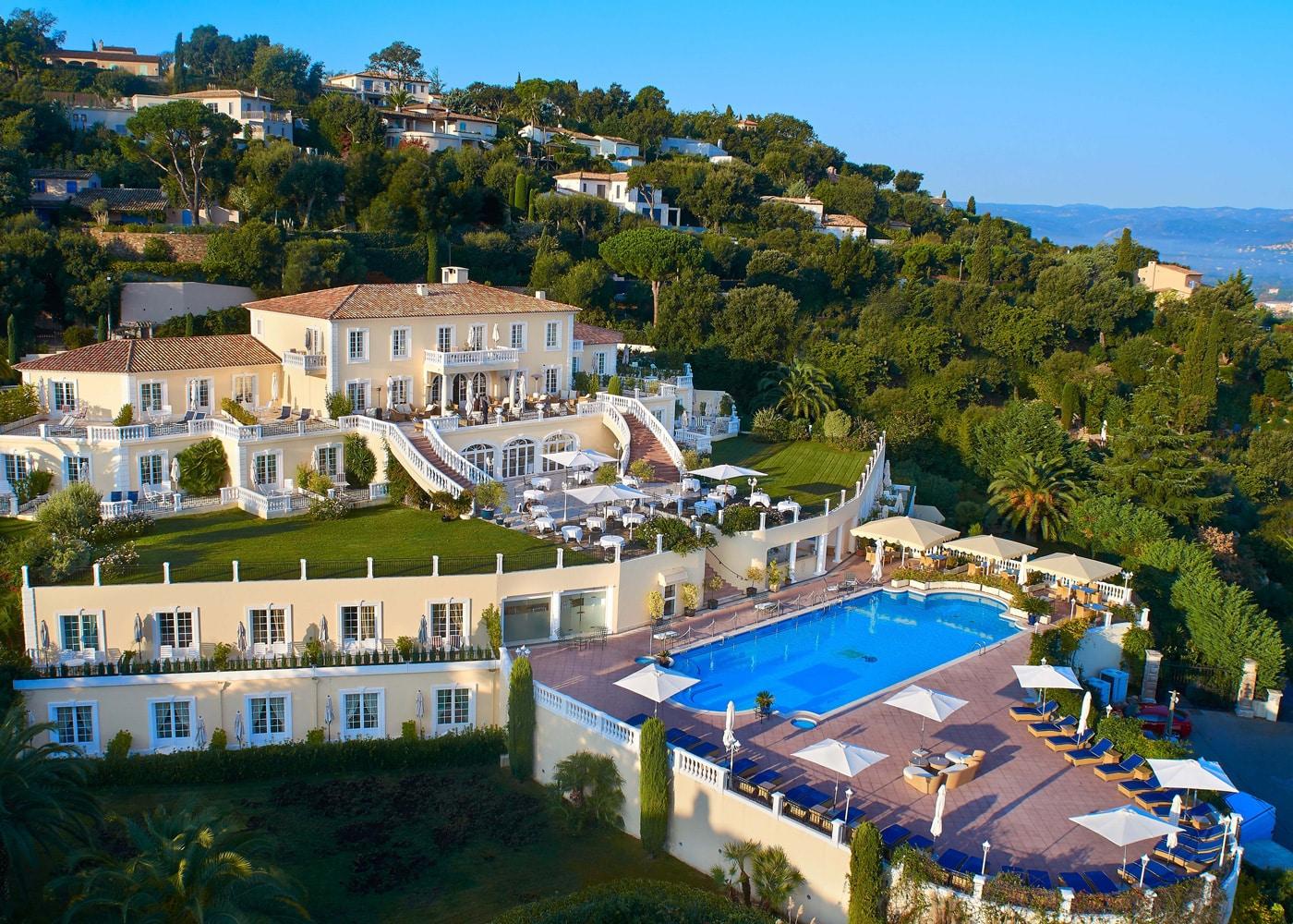 hotels-confinez-moi-ici-#4-mcmd-villa-belrose-vue-ensemble-saint-tropez