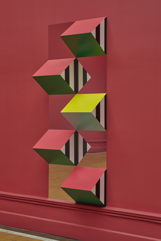 artmontecarlo-selected-statements-Courtesy-of-Kamel-Mennour_Daniel-Buren,-Pyramidal,-haut-relief,-travail-in-situ-no