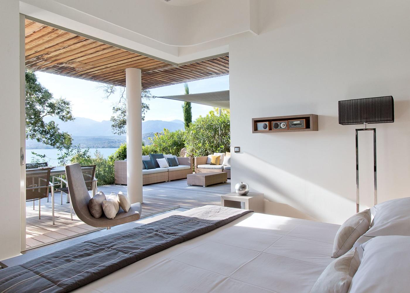 deconfinez-moi-ici-#6-Hotel-Casadelmar--Corse-suite-terrasse