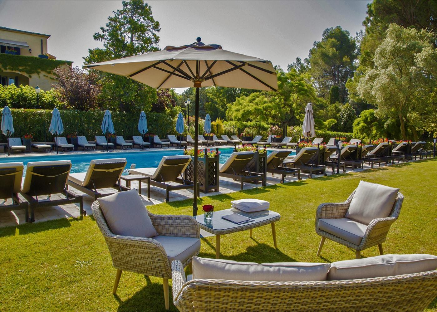 deconfinez-moi-ici-#6-le-vallon-de-valrugues-spa-bar-piscine