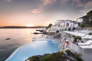 Piscines-Hotels-Hotel-du-Cap-Eden-Roc-HDCER-Swimming-pool-sunset-JMS